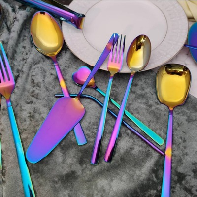نکاتی در مورد قاشق چنگال های رنگی